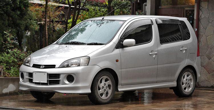 Daihatsu YRV