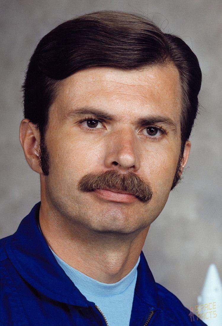 Dale Gardner Astronaut Biography Dale Gardner