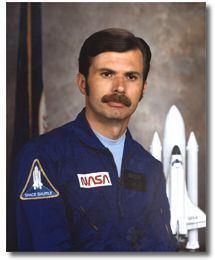 Dale Gardner wwwjscnasagovBiosportraitsgardnerdjpg