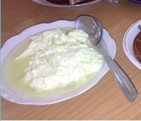 Dali ni Horbo Dali ni horbo penganan dari susu kerbau khas Batak