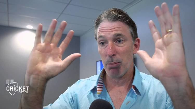 Bowlologist remembers dropped hattrick YouTube
