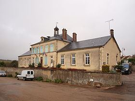 Dampierre-sous-Bouhy httpsuploadwikimediaorgwikipediacommonsthu
