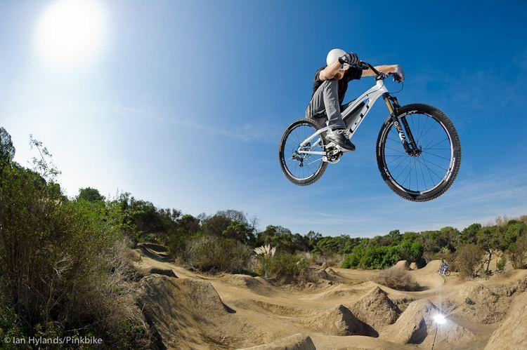 Dan Atherton Dan Atherton rides the GT Sanction Pinkbike