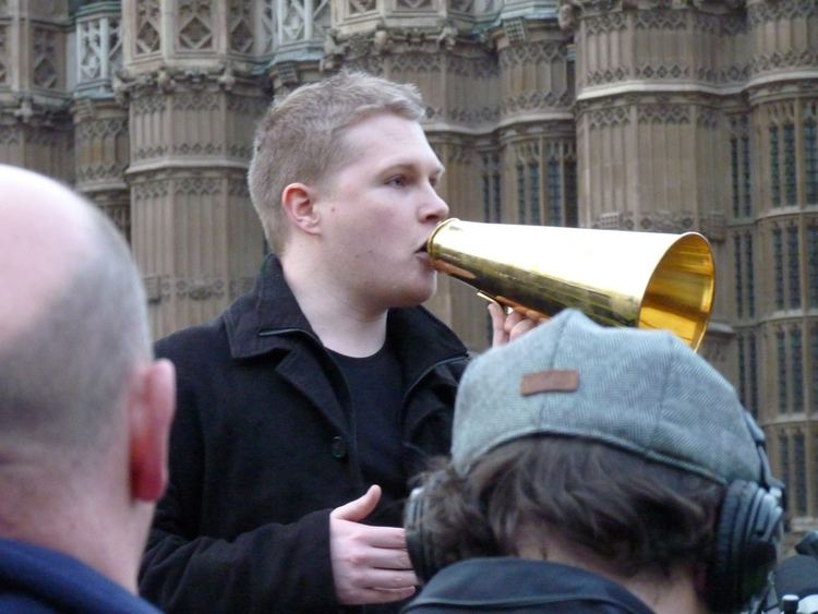Dan Bull Dan Bull Wikipedia the free encyclopedia