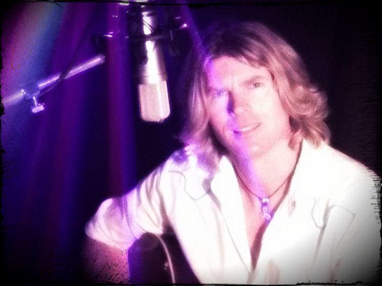 Dane Sharp (singer-songwriter)