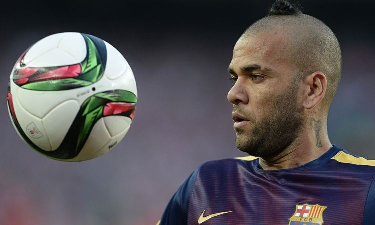 Dani Alves Dani Alves signs new twoyear contract with Barcelona
