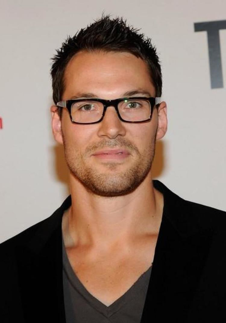 Daniel Cudmore Daniel Cudmore MEN4MARRIAGECOM