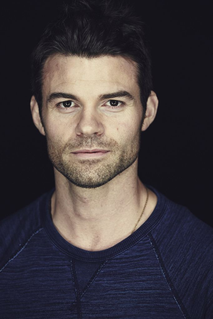 Daniel Gillies Daniel Gillies Pictures Warner Bros At ComicCon