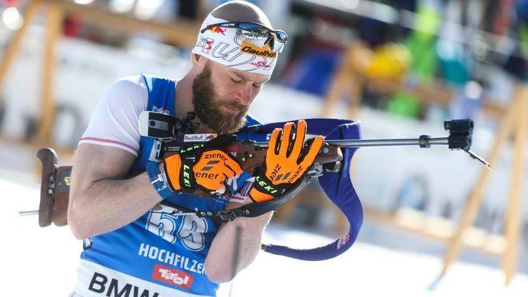 Daniel Mesotitsch Biathlon Mesotitsch luft in kurzer Hose und TShirt
