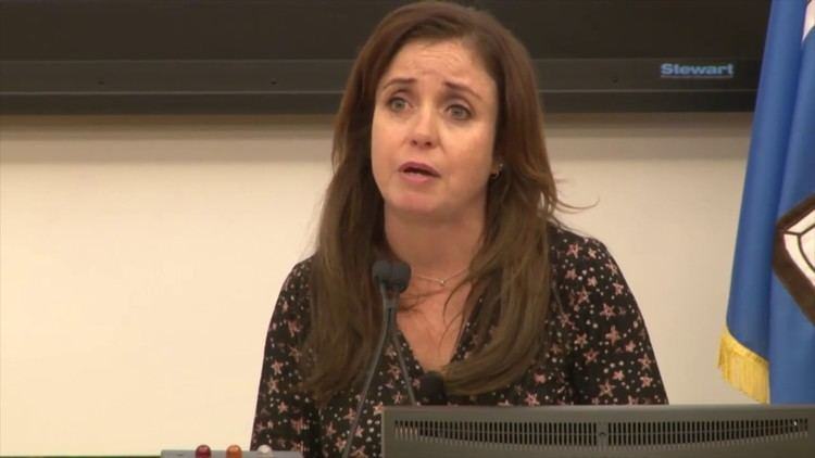 Danielle Nierenberg Danielle Nierenberg speaking at the 2017 Food Tank Summit at Tufts