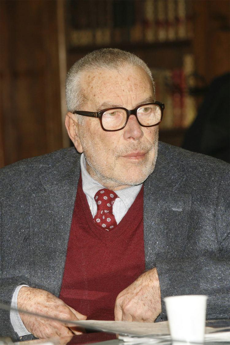 Danilo Mainardi Danilo Mainardi e la passione per gli animali Muoversi