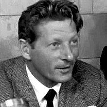 Danny Kaye httpsuploadwikimediaorgwikipediacommonsthu