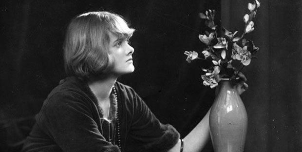 Daphne du Maurier Daphne du Maurier Biography Books and Facts