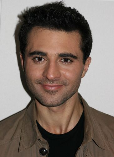 Darius Campbell Big surprise down at Clydebank hospice Cross Wires