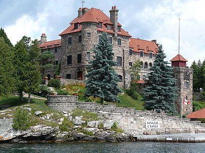 Dark Island httpsuploadwikimediaorgwikipediacommonsthu