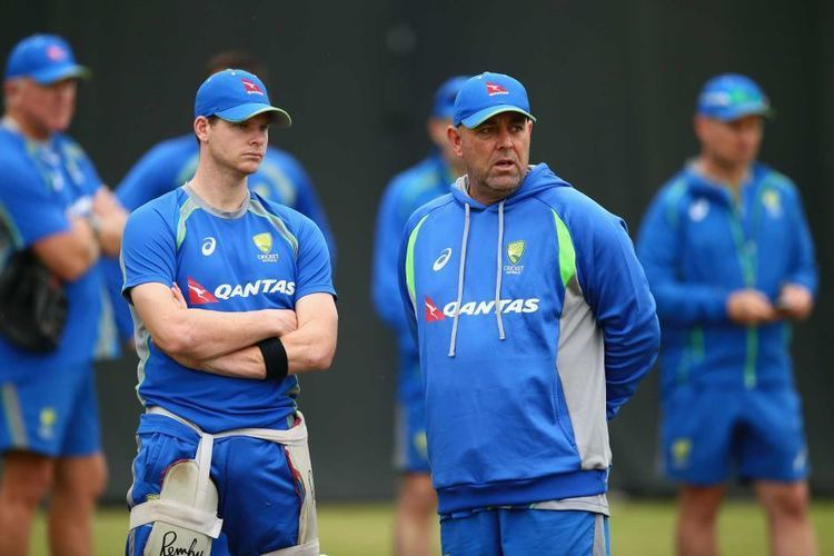 Darren Lehmann signs on as Australias cricket coach through to 2019