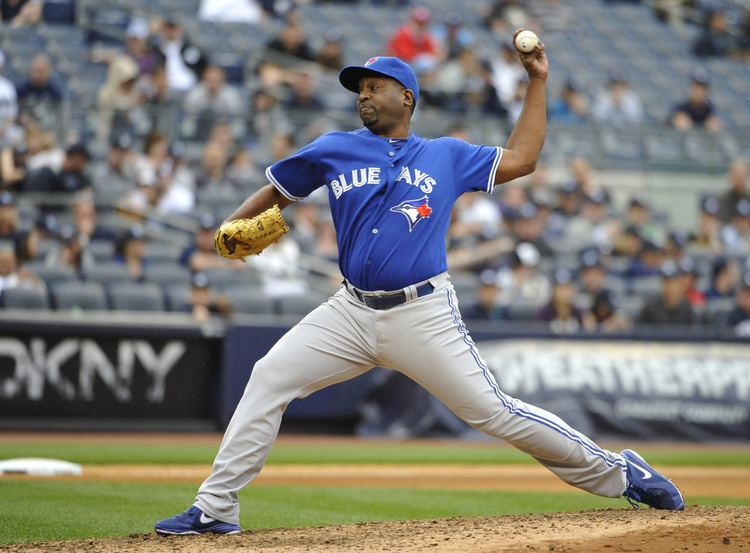 Darren Oliver Blue Jays place pitcher Darren Oliver on 15day disabled list