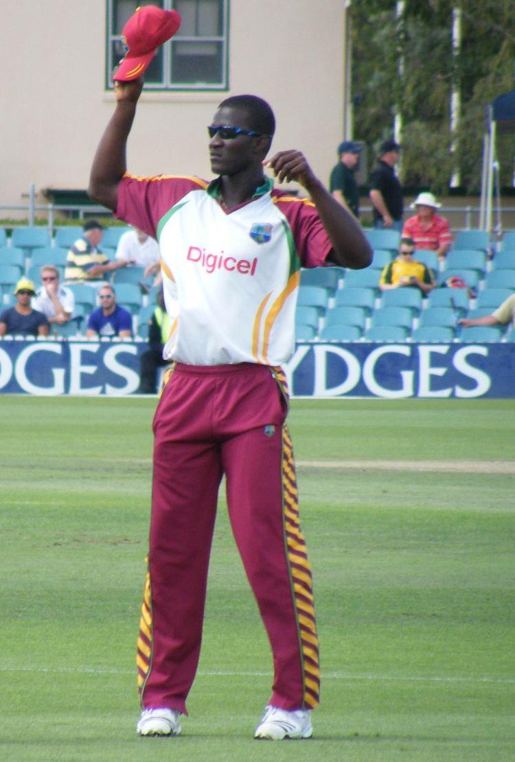 Darren Sammy (Cricketer) playing cricket