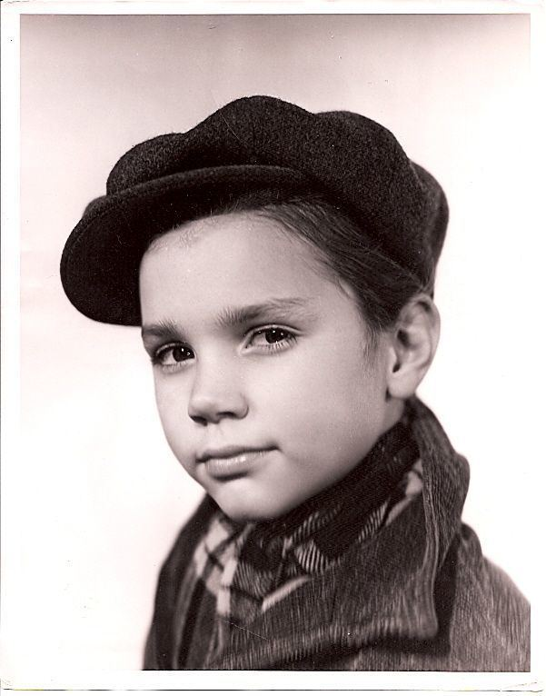 Darryl Hickman Darryl Hickman gained attention as a child actor during