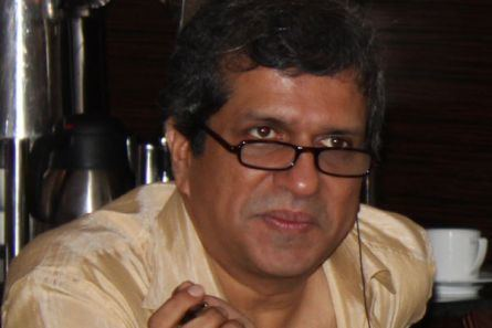 Darshan Jariwala Darshan Jariwala returns to TV with four 39daughters39