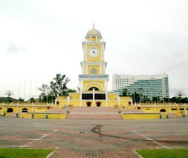 Dataran Bandaraya Johor Bahru httpsakjogurucdncommediaimagep19place201