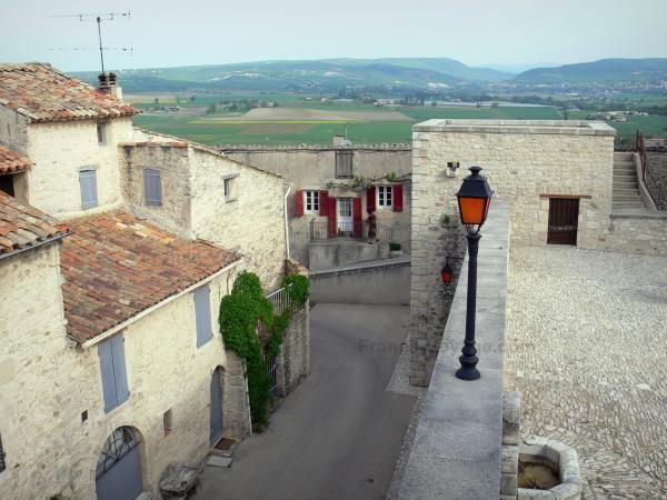 Dauphin, Alpes-de-Haute-Provence wwwfrancevoyagecomvisualsphotosdauphin15110