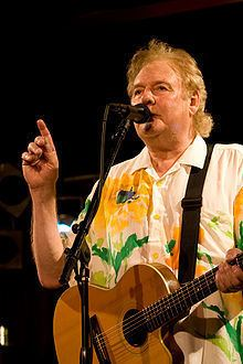 Dave Cousins httpsuploadwikimediaorgwikipediacommonsthu