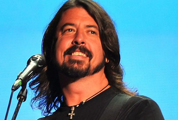 Dave Grohl Dave Grohl Drumming on New Queens of the Stone Age Album