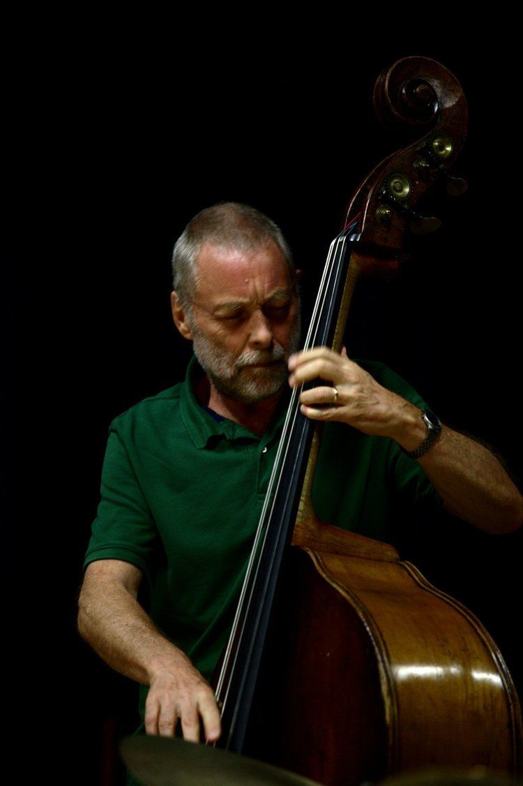 Dave Holland Dave Holland joins NYJC for our 2013 August Summer School