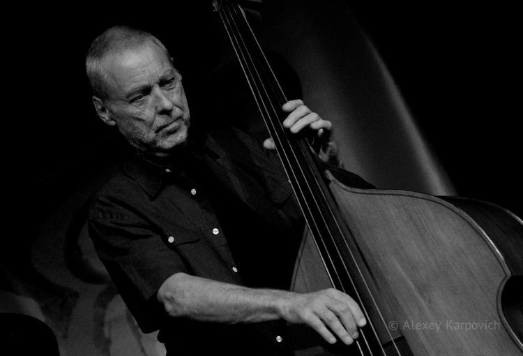 Dave Holland Glass reviews jazz doublebassist Dave Holland at Wigmore