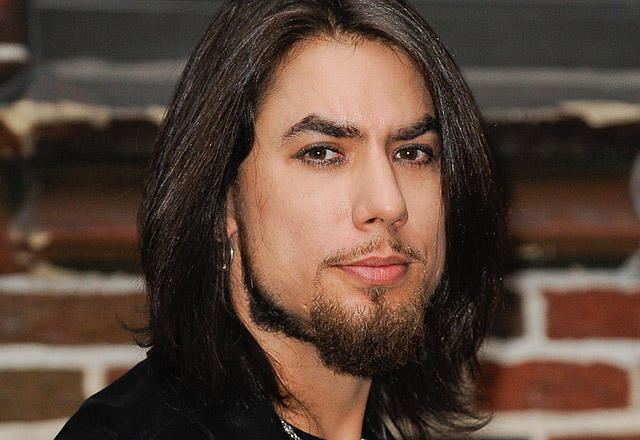 Dave Navarro Law amp Order SVU Scoop Dave Navarro to Make Trouble for