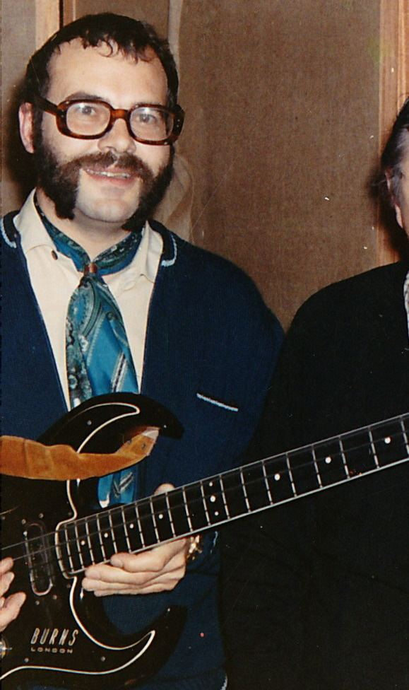 Dave Richmond Raaphorst Dave Richmond with Burns Black Bison bass which he