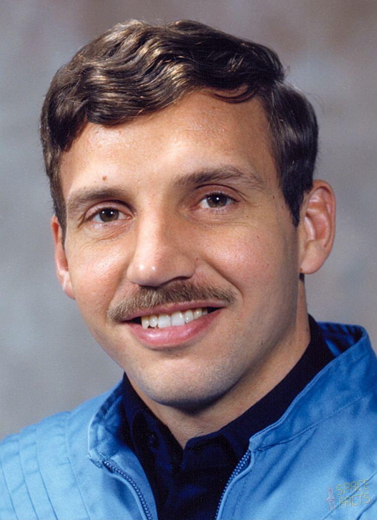 David C. Hilmers wwwspacefactsdebiosportraitshiastronautshil
