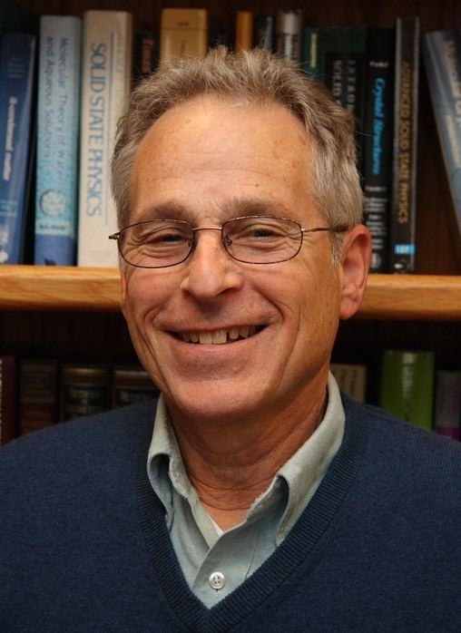 David Chandler (chemist) goldcchemberkeleyeduDavidMediadcmedhrjpeg