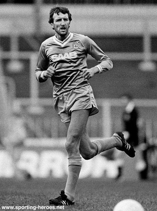 David Cross (footballer, born 1950) David CROSS Biography of his Man City career Manchester City FC