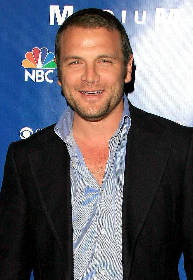 David Cubitt Arrow Snags Medium Alum to Play Manhunter Today39s News