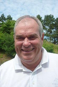 David J Russell httpsuploadwikimediaorgwikipediacommonsthu