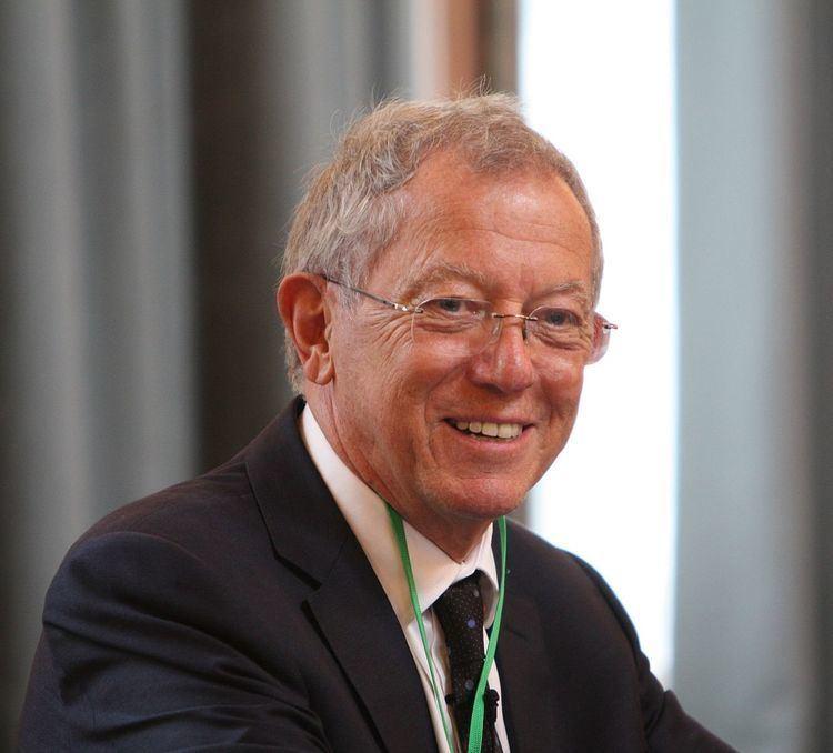 David King (chemist) httpsuploadwikimediaorgwikipediacommonsthu