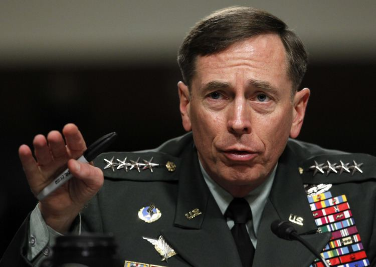 David Petraeus CIA chief Petraeus resigns over extramarital affair