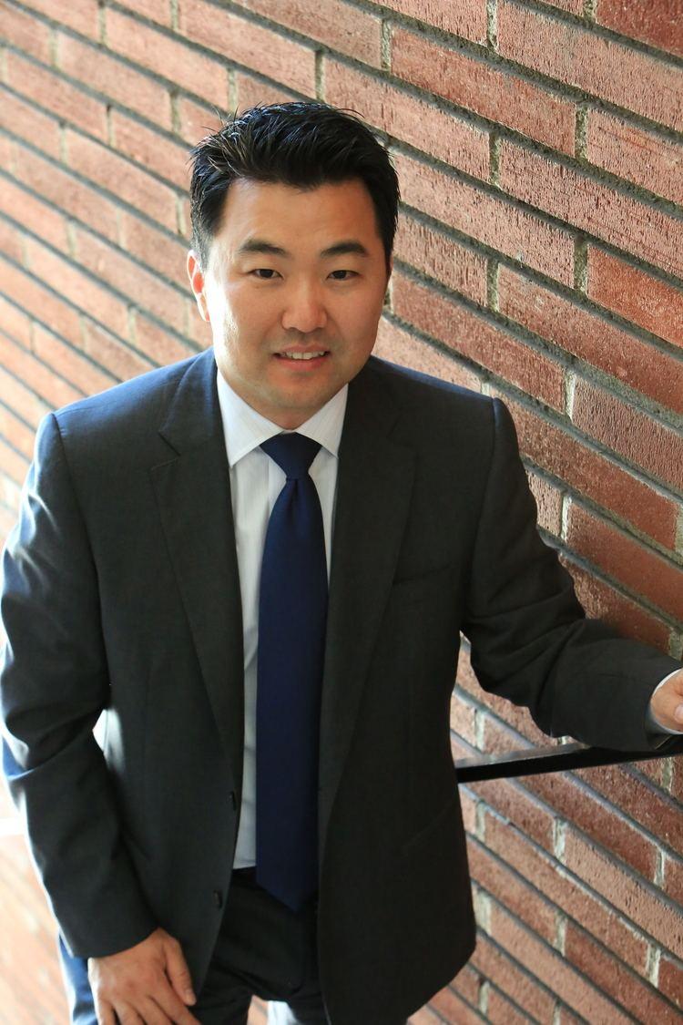 David Ryu Profile Of Los Angeles City Council Candidate David Ryu Van Nuys