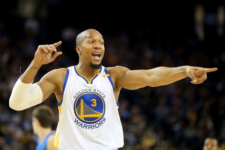 David West (basketball) Warriors David West sacrifices millions chases title