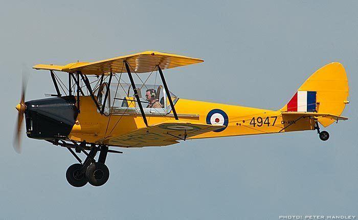 De Havilland Tiger Moth The FL Bill McRae de Havilland Tiger Moth gt Vintage Wings of Canada