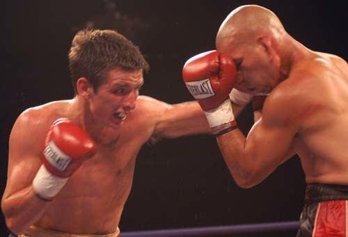Dean Byrne (boxer) Check Hook Boxing Dean Byrne steps in to face Carson Jones
