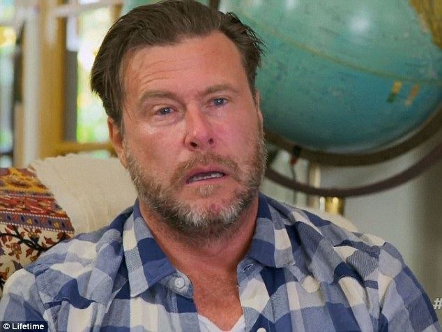 Dean McDermott Dean McDermott convulses in tears in front of guru on True Tori