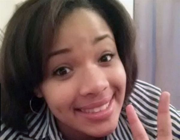 Death of Hadiya Pendleton wwwchicagonowcomyourdoubtingthomasfiles2013
