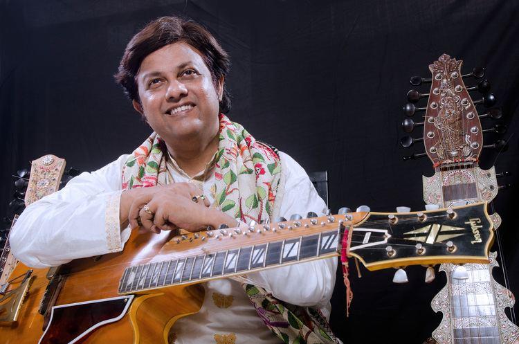 Debashish Bhattacharya Pandit Debashish Bhattacharya Pioneer of Indian slide