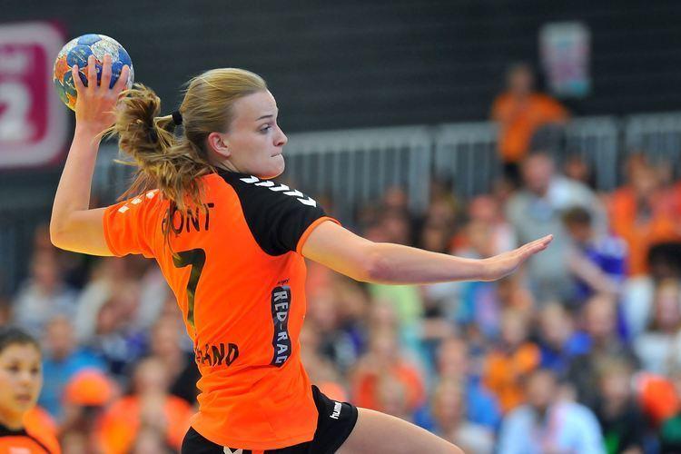 Debbie Bont Debbie Bont staat met Oranje handbal dames in de halve finale op het