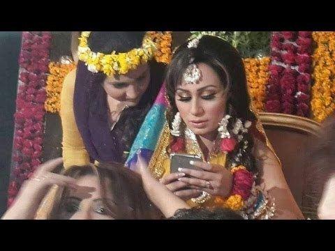 Deedar (actress) Dunya News Police raid mehndi ceremony of actress Deedar