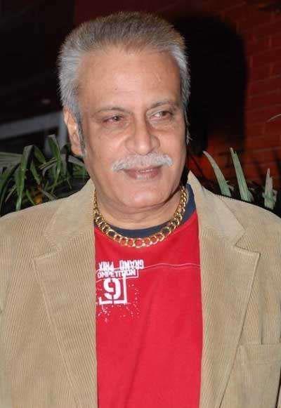 Deepak Parashar Deepak Parashar Photo 400x581 Indya101com