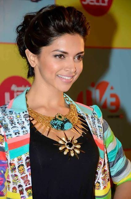 Deepika Padukone Best 20 Deepika padukone hairstyles ideas on Pinterest Deepika
